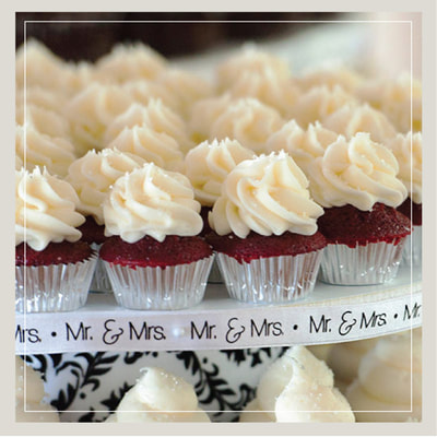 Mr. and Mrs. mini wedding cupcakes in the Southern Red Velvet flavor from Cupcake DownSouth in Charleston SC and Columbia SC